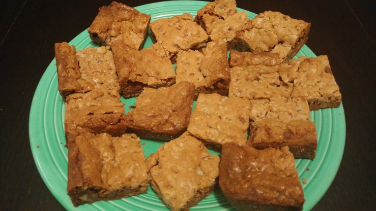 Blondies with chocolate chips and walnuts